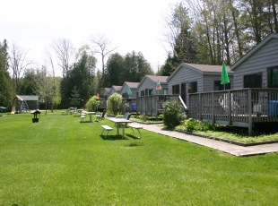 Cedarholme Bed & Breakfast and Cottages