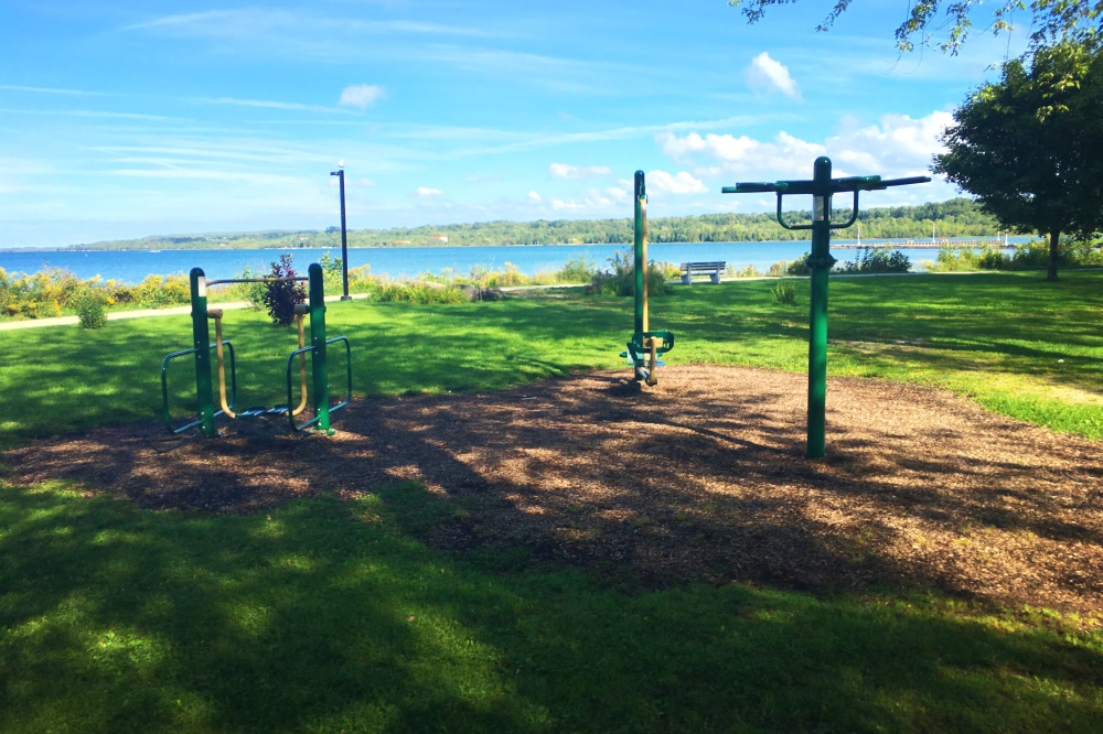 Public exercise equipment
