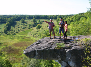 Hiking - Skinner's Bluff to Bruce Caves